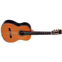 גיטרה קלאסית בגודל מלא